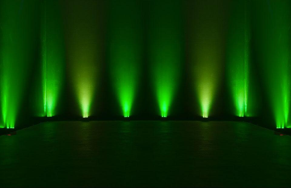 partyfield-verhuur-aanbod-licht-ADJ_5P_HEX_LED_Flat_Par-2